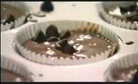 YouTube - Nigella Feasts - Comfort Food - Choc chip muffin.jpg